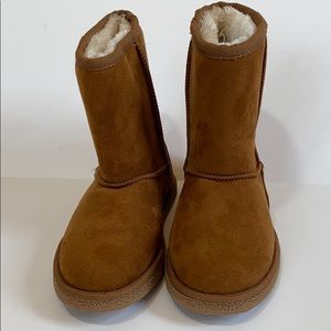 Brand NEW UGG-like winter snow boots toddler Sz 11